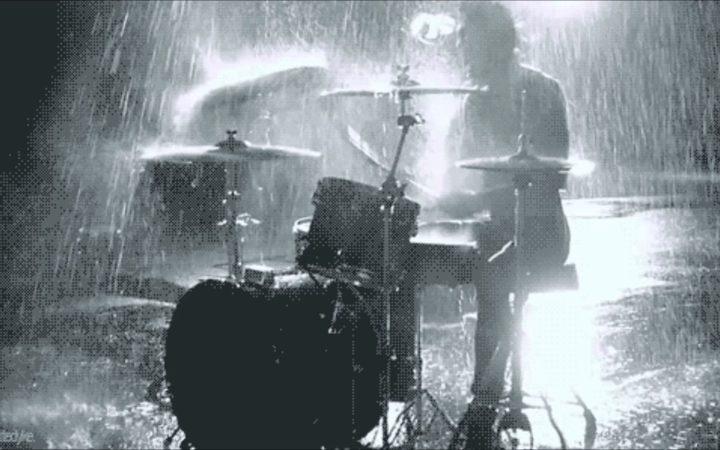 eight_col_drums_rain